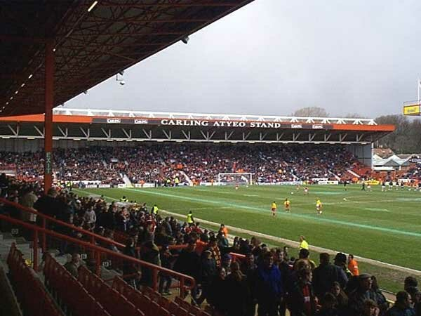 http://www.footballgroundsofengland.co.uk/images/bristol03.jpg