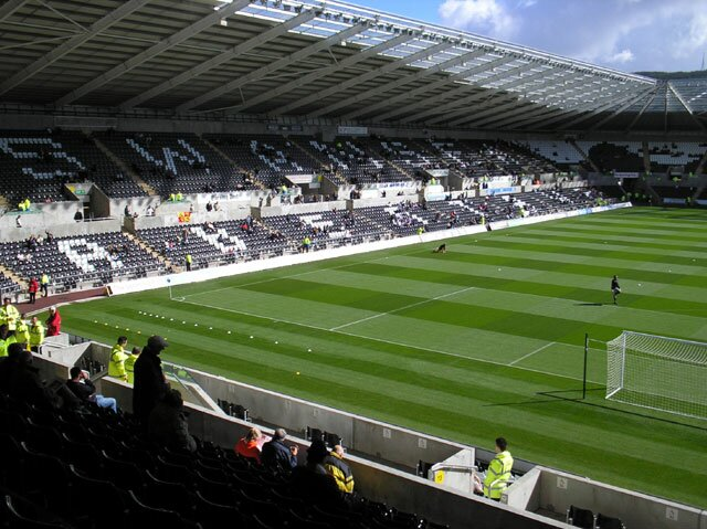 http://www.footballgroundsofengland.co.uk/images/swansea-01.jpg